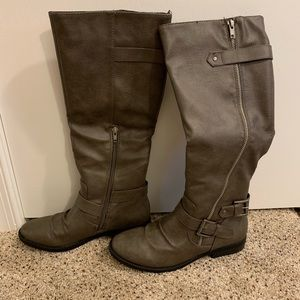 Gray Rampage boots
